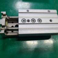 (미사용품) SMC SLIDE TABLE CYLINDER MXQ16L-30 슬라이드 테이블 실린더